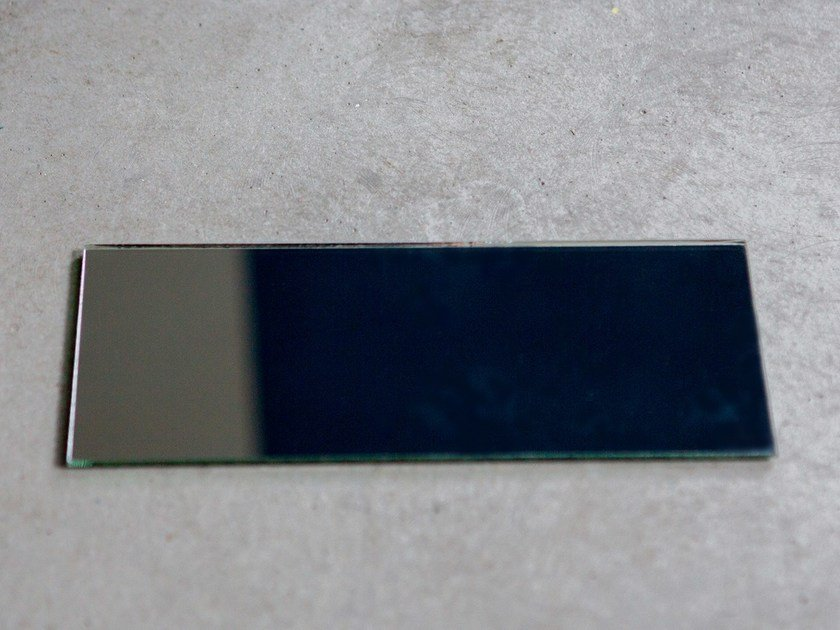 Magnetic mirror MIRROR SQUARE by Anne Linde