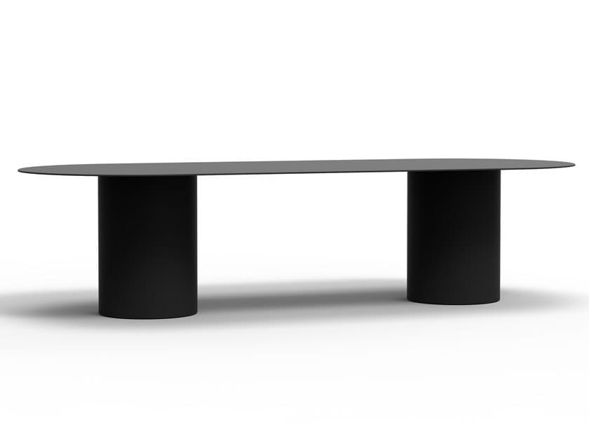 Oval aluminium table MM8 by Desalto