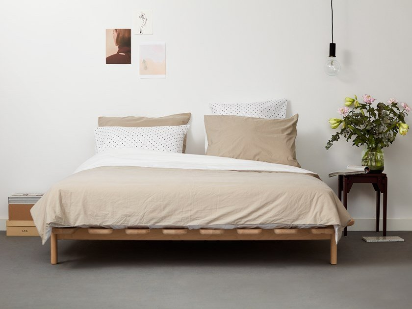 Beech double bed MODEST - TYPE 2 by Loof