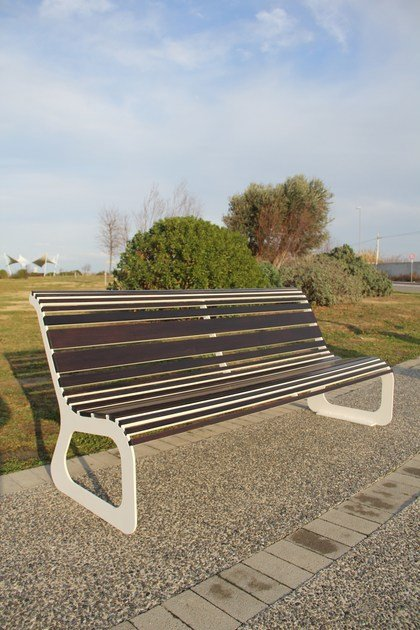 Panchina in legno con schienale MOKO LEGNO by LAB23
