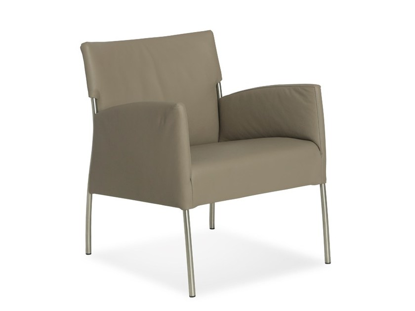 Tanned leather easy chair with armrests MONET | Easy chair by Joli