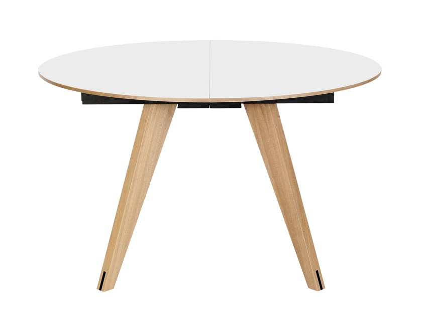 Extending round dining table MOOD | Round table by Bolia