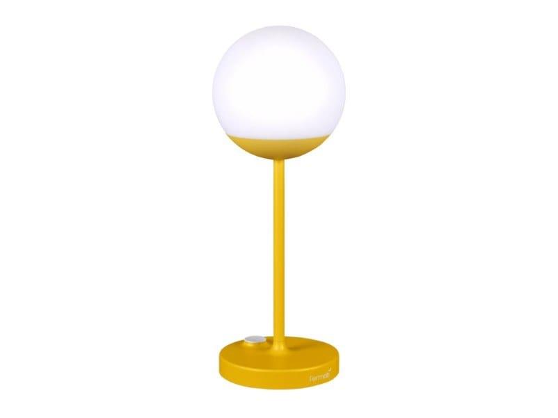 Lampada da tavolo per esterno a LED con ricarica USB MOOON! | Lampada da tavolo per esterno a LED by Fermob