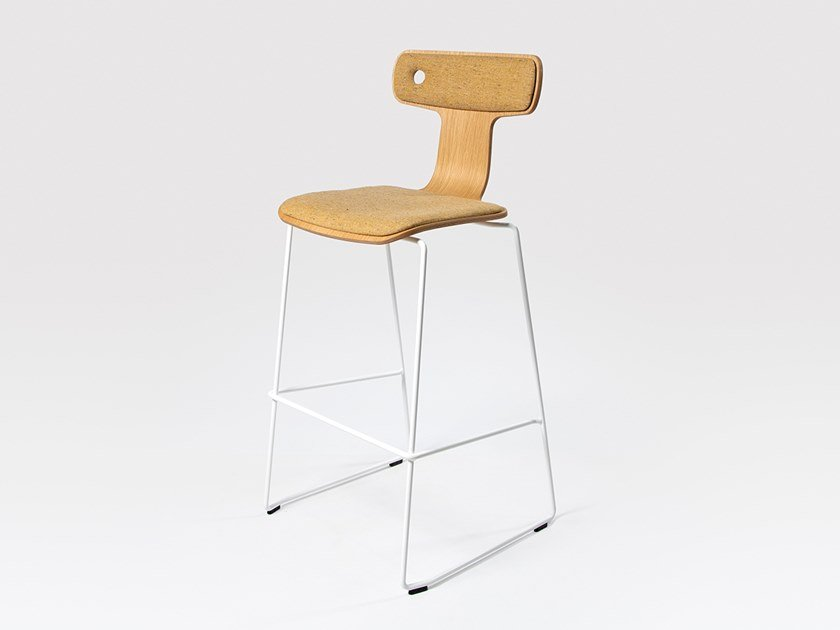 Sled base barstool MOORE | Barstool by Liqui Contracts