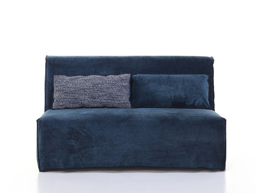 Fabric small sofa MORE 06 by Gervasoni