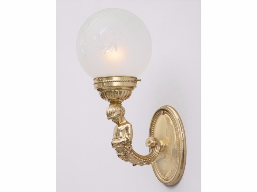 Brass wall lamp MOSCOW | Wall lamp by Patinas Lighting