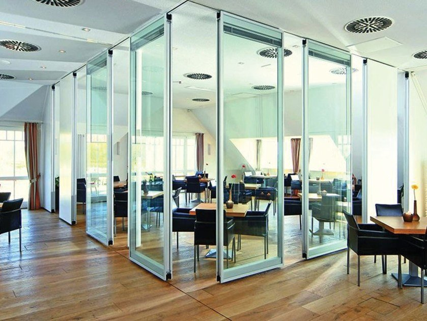 Glass operable wall MOVEO by Dormakaba