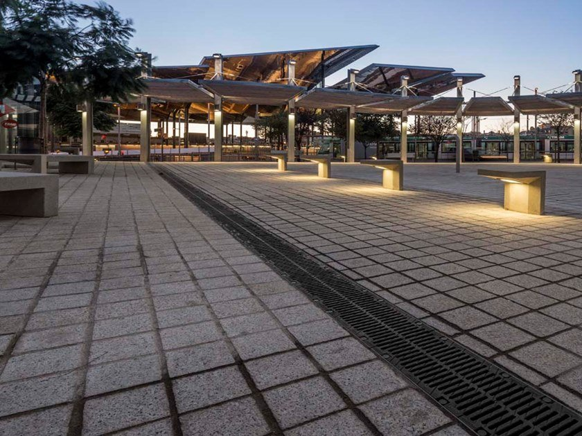 Drainage channel and part MULTIV+ by ULMA Architectural Solutions