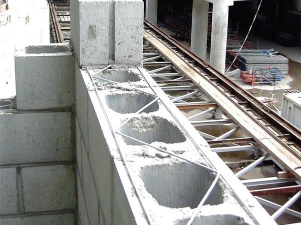 Traliccio in acciaio il rinforzo orizzontale delle murature MURFOR by RUREGOLD