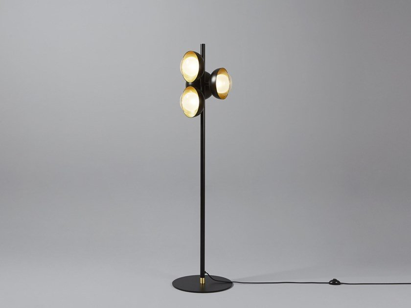 Direct light metal floor lamp MUSE | Floor lamp by Tooy