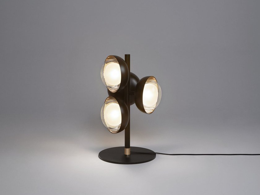 Direct light metal table lamp MUSE | Table lamp by Tooy