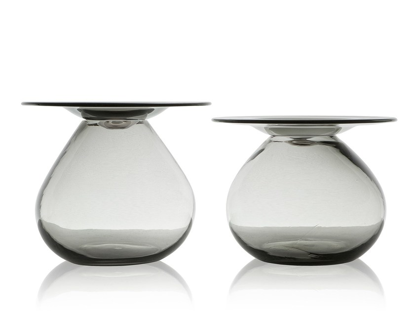 Round glass coffee table MUSH | Coffee table by Sollos