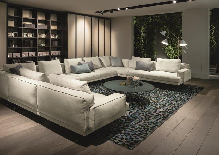 Mustique divano in tessuto by lema design gordon guillaumier for Divano seduta larga