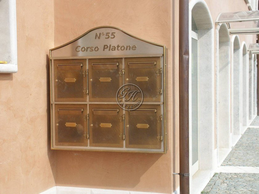 Wall-mounted metal mailbox Mailbox 1 by GH LAZZERINI