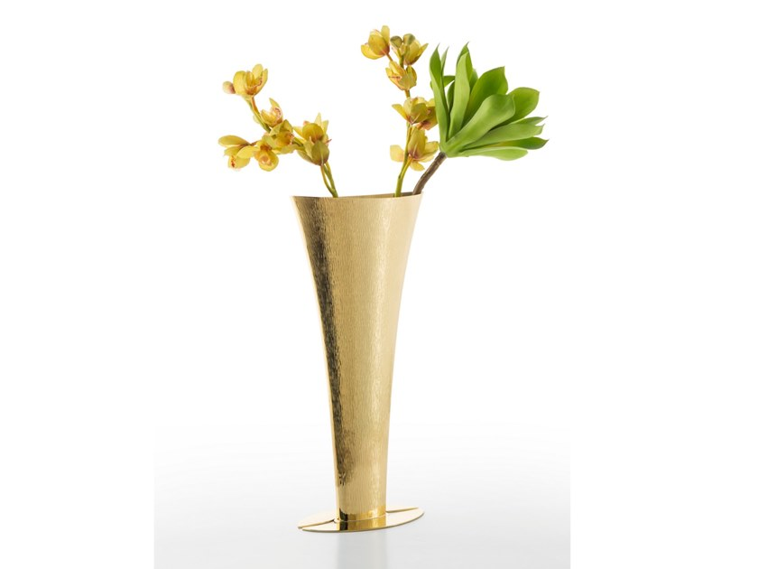 Brass vase NACO | Brass vase by ZANETTO