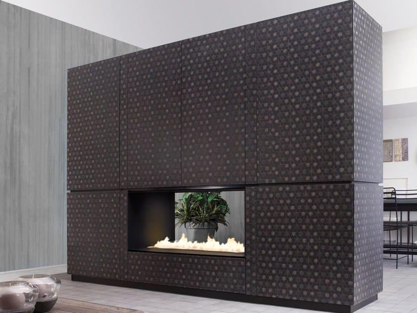 Freestanding divider HDF storage wall NATURAL SKIN MONOLITI by Minacciolo