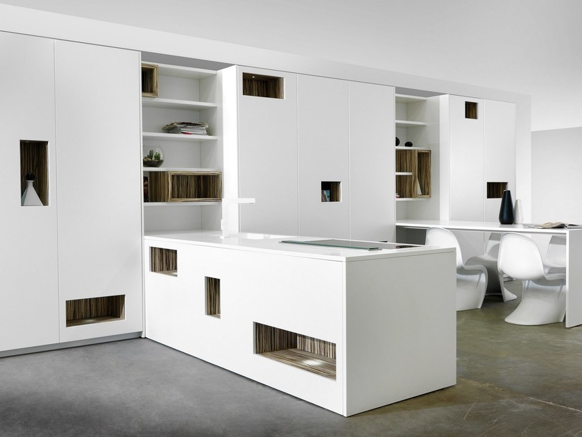 Corian® kitchen with peninsula MONDRIAN | Corian® kitchen by TM Italia Cucine
