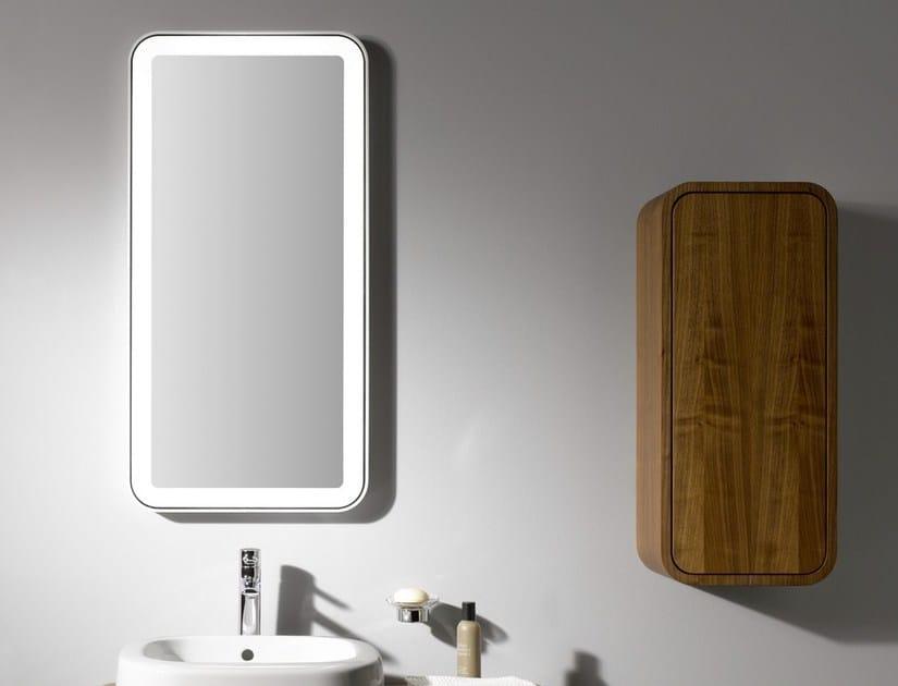 NC | Specchio con illuminazione integrata