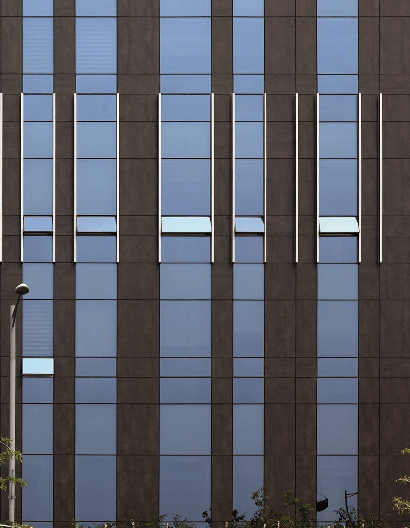 Facade panel NEOLITH SKYLINE By NEOLITH
