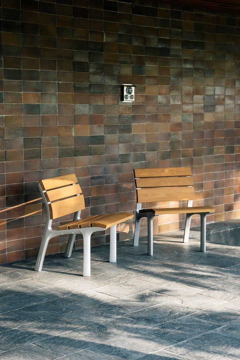 NEOROMÁNTICO CLASICO | Seduta da esterni
