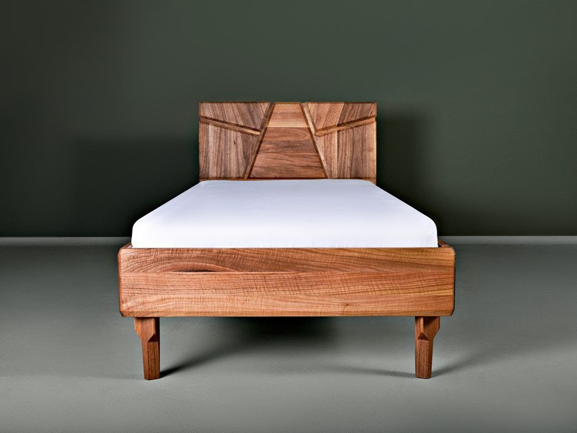 Solid wood single bed NERETVA by HOOKL und STOOL