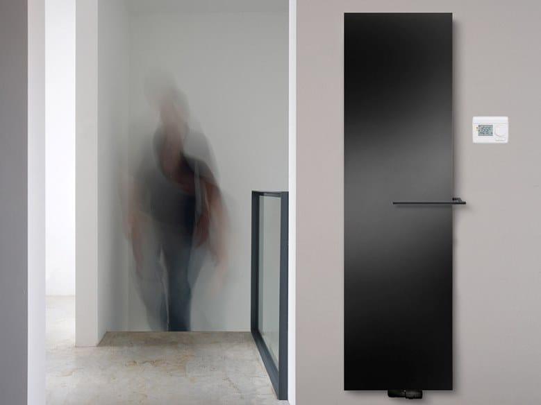 Radiatore verticale a parete NIVA MIXED by VASCO