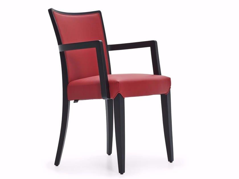 Sedia imbottita in tessuto con braccioli NOBILIS | Sedia con braccioli by Varaschin