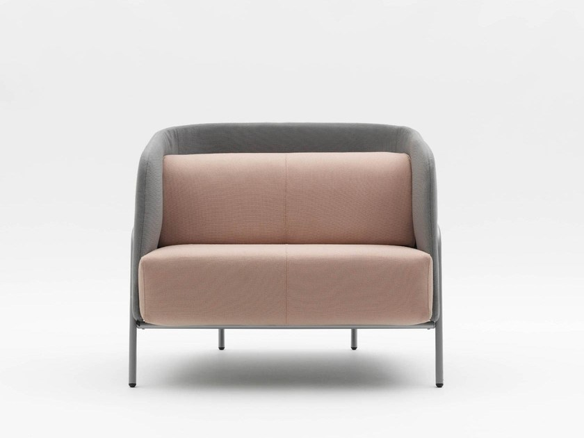 Fabric armchair with armrests NOLDOR I832 by Segis