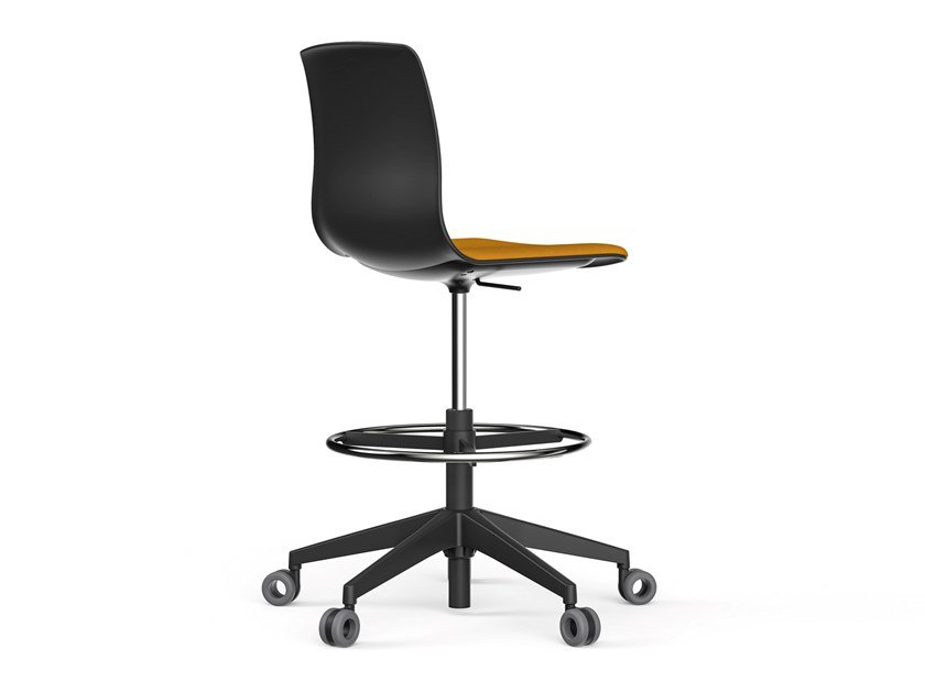 Office stool with castors for designer with footrest NOOM 50 | Office stool for designer by ACTIU