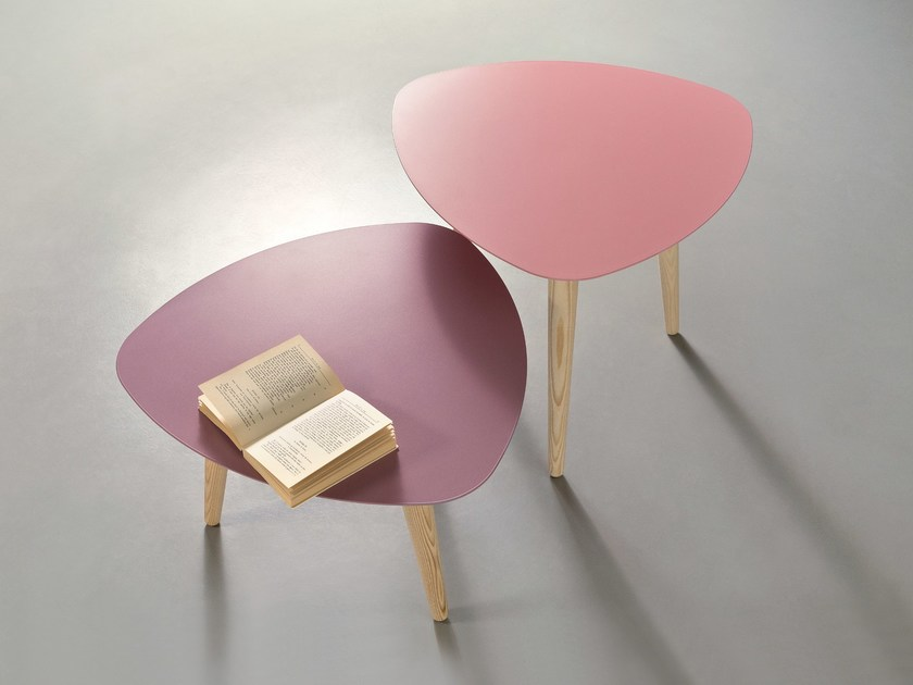 Lacquered metal coffee table NORD PETALO by meme design