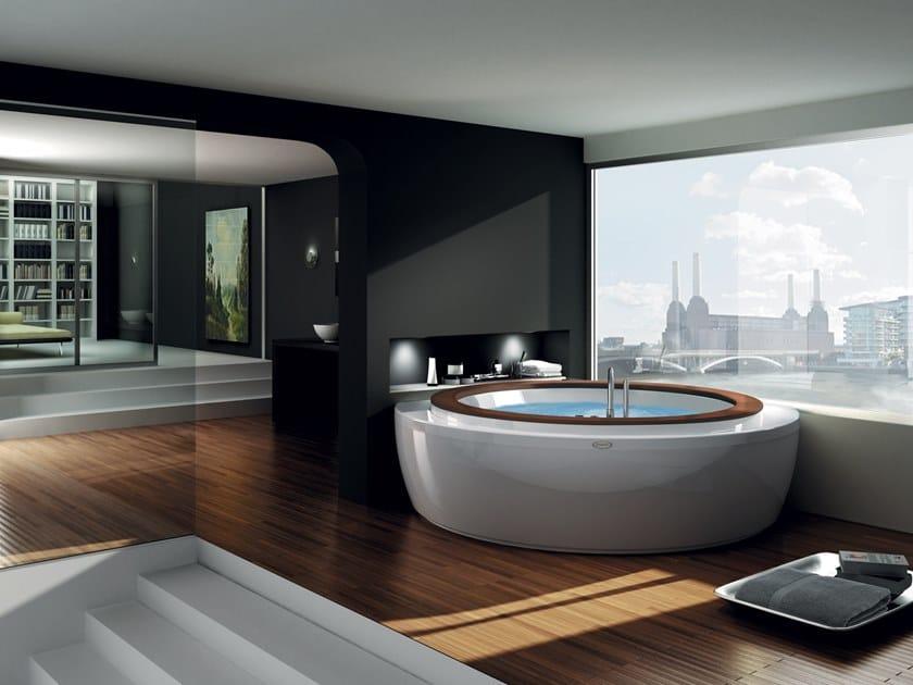Bañera de esquina de hidromasaje redonda NOVA CORNER by Jacuzzi®