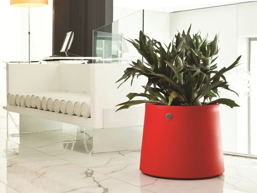 Low polyethylene plant pot with automatic watering NOVO | Low plant pot by Hobby Flower