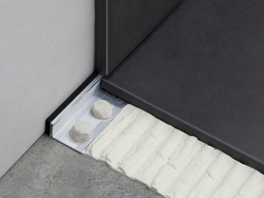 Flooring joint NOVOJUNTA® METALLIC PERIMETRAL | Flooring joint by EMAC Italia