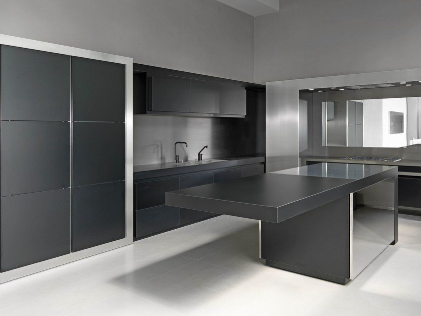 Stainless steel kitchen NPU PROG.015 By Strato Cucine