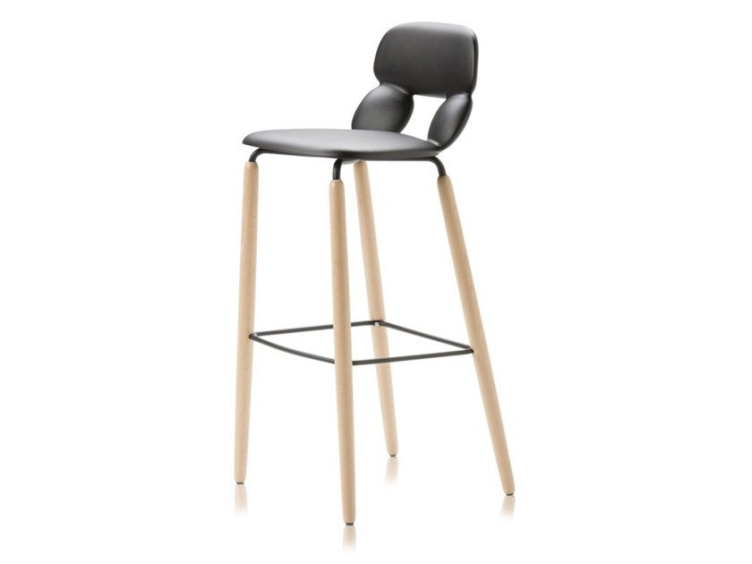 Polyurethane stool NUBE W SG 80 by CHAIRS & MORE