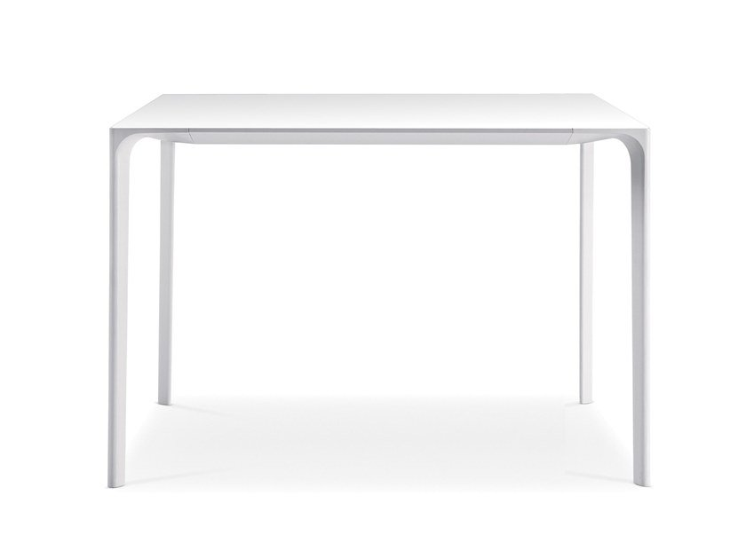 NUUR | Square table