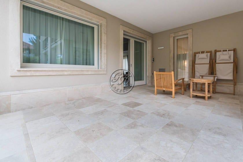 bodenbelag f r den au enbereich aus naturstein by gh lazzerini. Black Bedroom Furniture Sets. Home Design Ideas