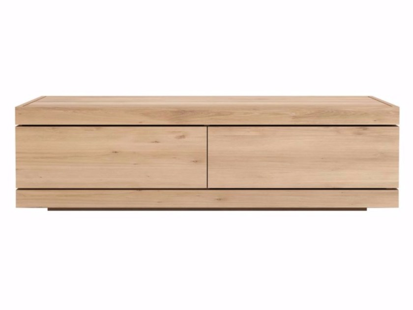 Low solid wood TV cabinet OAK BURGER | TV cabinet by Ethnicraft