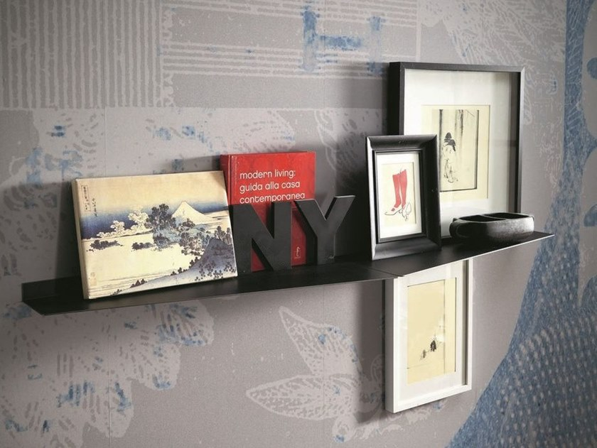 Plate wall shelf OBLIQUE by AltaCorte