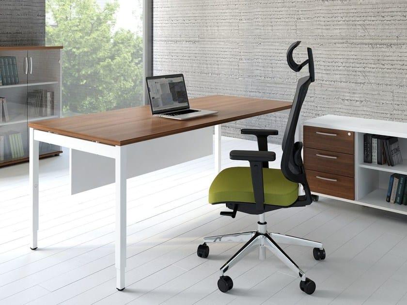 Height-adjustable workstation desk OGI_Y by MDD