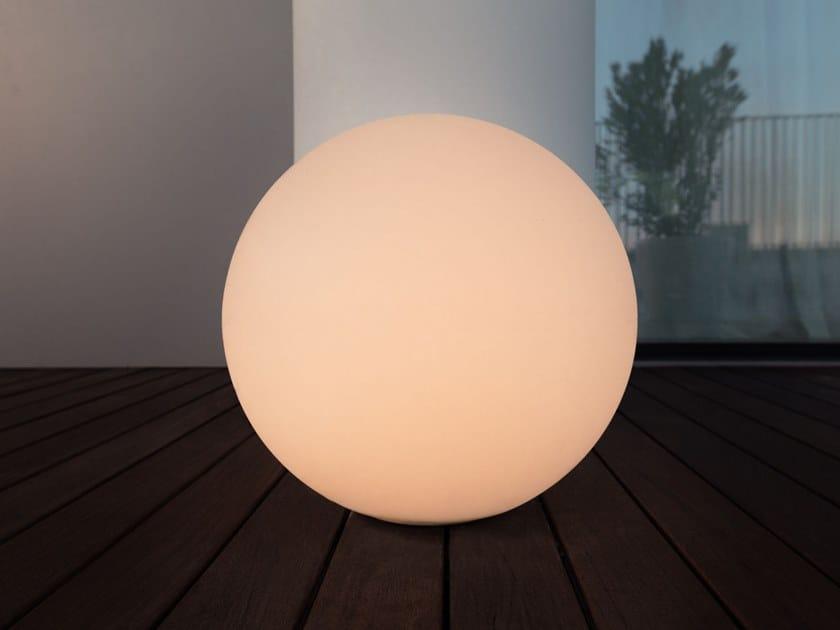 Lampada da terra a LED in polietilene OH!_DYNAMIC WHITE by Linea Light Group