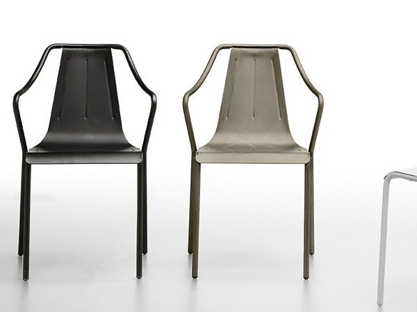 Stackable chair with armrests OLA P IN by Midj