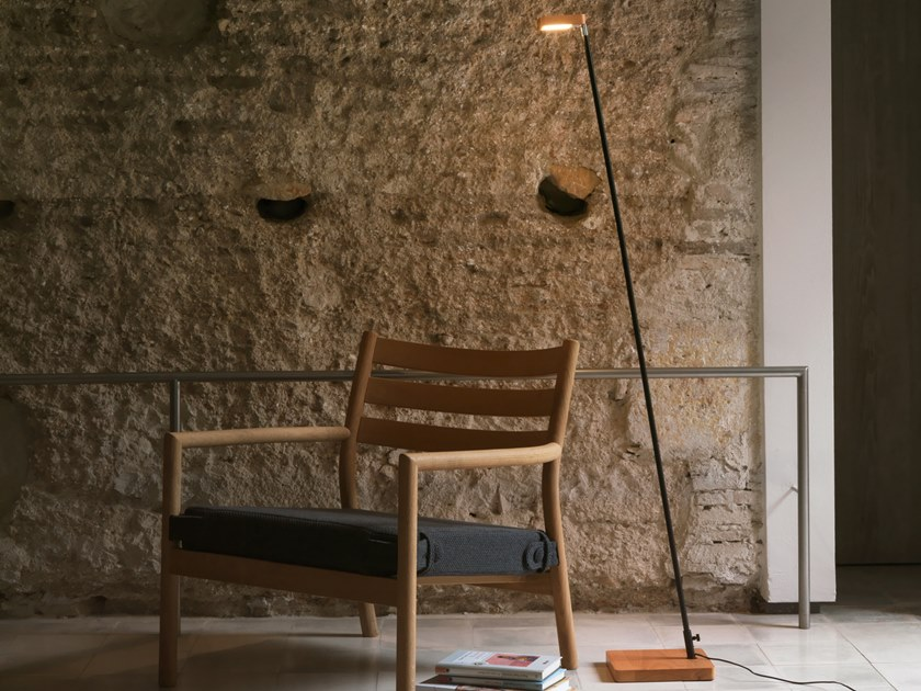 LED wooden floor lamp OLF | LED floor lamp by Aromas del Campo
