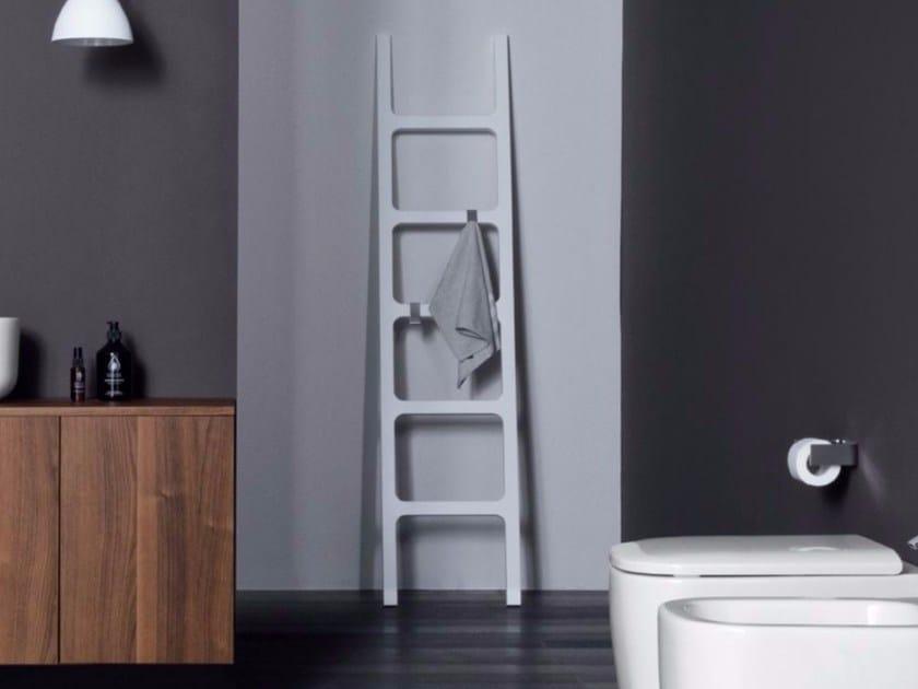 Portasciugamani Bagno Design : Scala porta asciugamani con portaoggetti oltre nic design