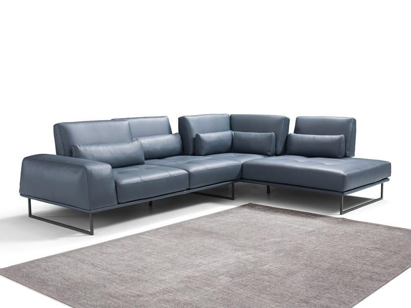 Sled base corner 4 seater leather sofa OMER by Max Divani