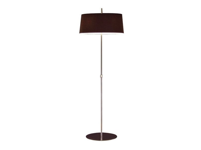 Metal floor lamp ONA | Floor lamp by Aromas del Campo