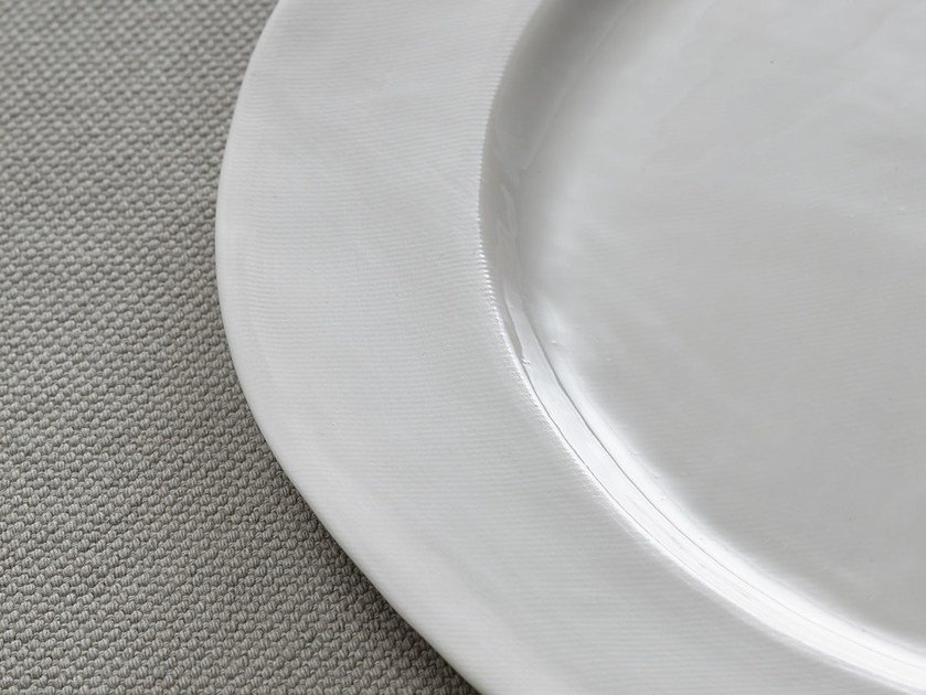Porcelain dinner plate ONDA | Dinner plate by Society Limonta