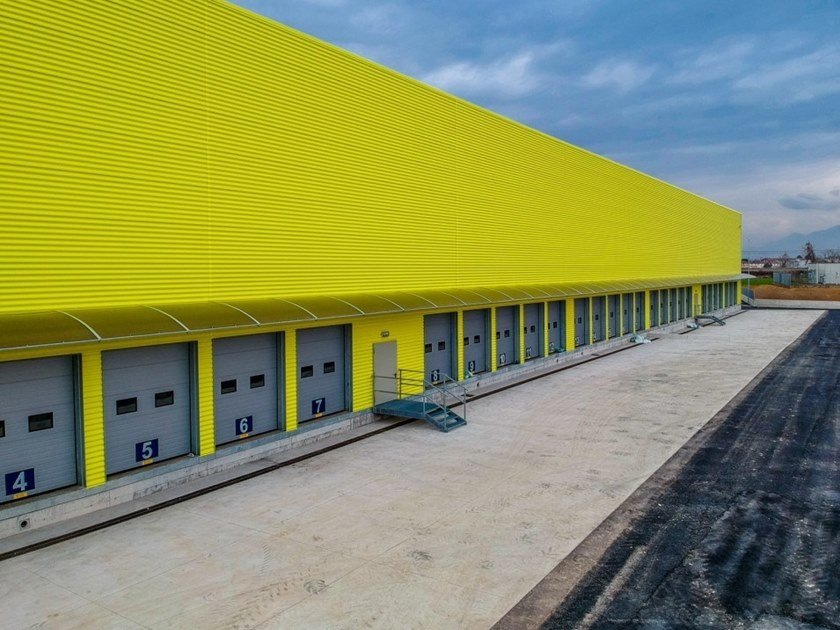 Insulated metal panel for facade ONDA by IsolPack