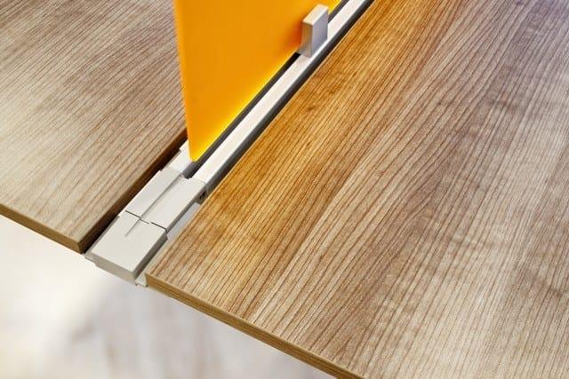 ONLINE3 Postazione di lavoro - Particolare divisorio frontale per scrivania singola o condivisa