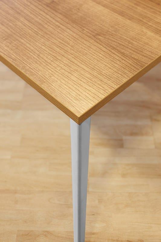 ONLINE3 Postazione di lavoro - Particolare gamba in alluminio